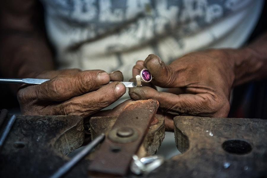 Hand crafted jewellery - Sri Lanka